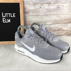 NWT Air Max Guile Youth Sneaker Gray